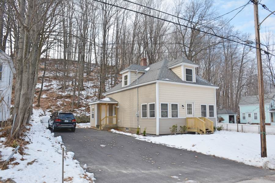 Laconia NH Home for sale $$159,900 $183 per sq.ft.