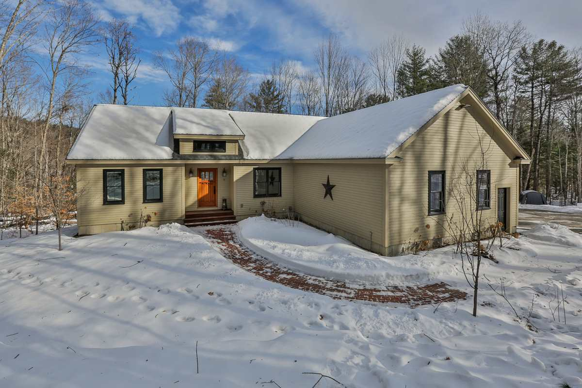 VILLAGE OF ELKINS IN TOWN OF NEW LONDON NH Home for sale $$460,000 | $249 per sq.ft.