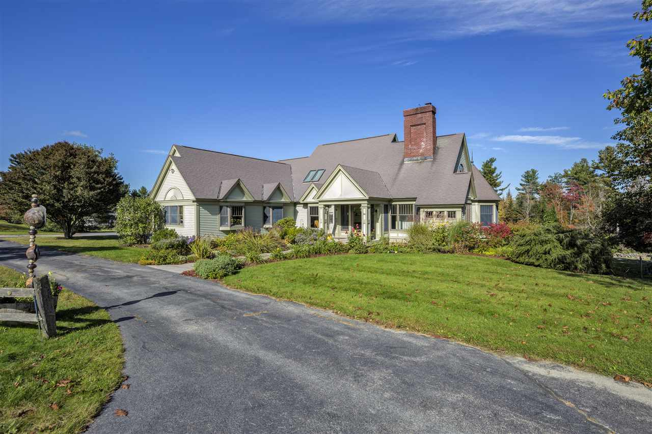 NEW LONDON NH Home for sale $$749,500 | $269 per sq.ft.