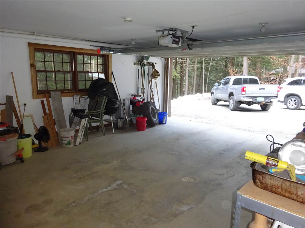 Oversized, heated, 1 car garage 13035449