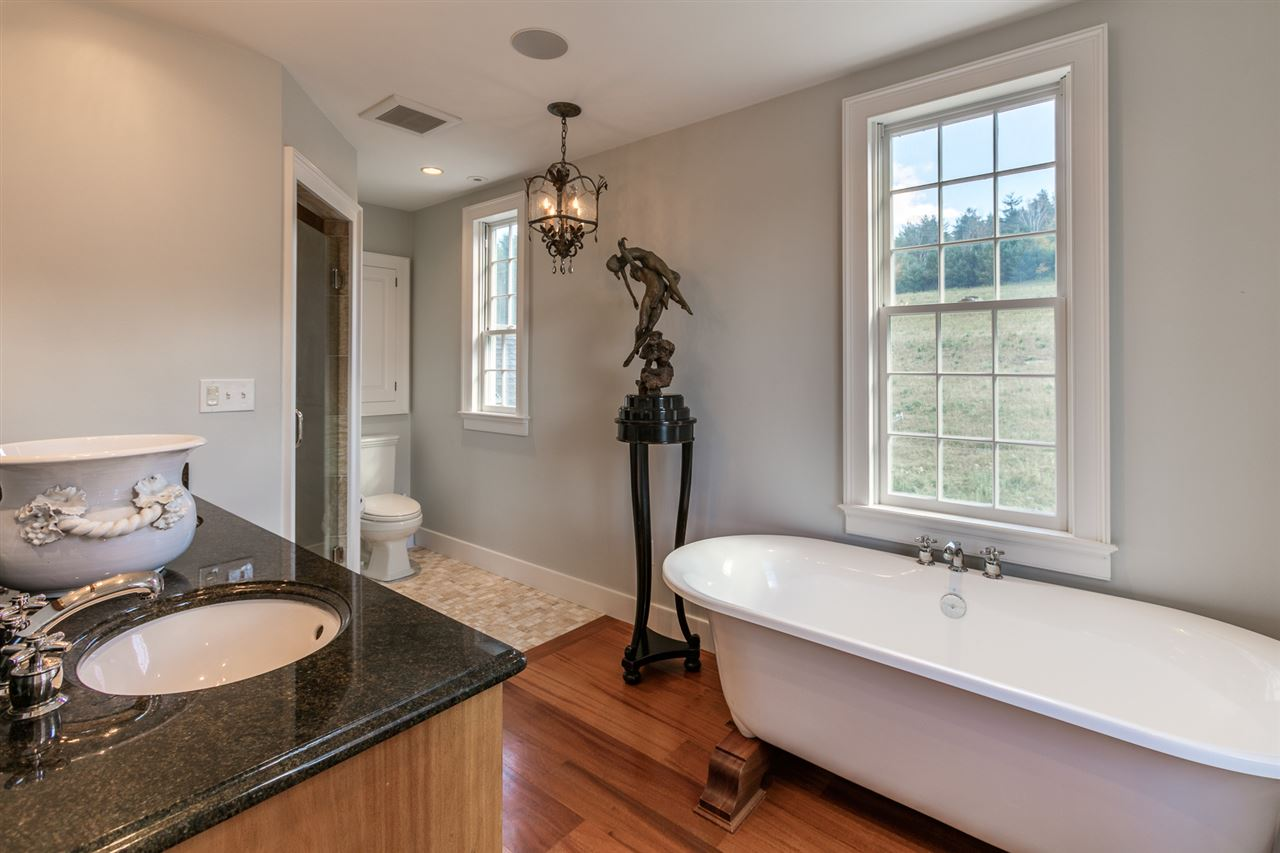 Large Master Bathroom 13037461