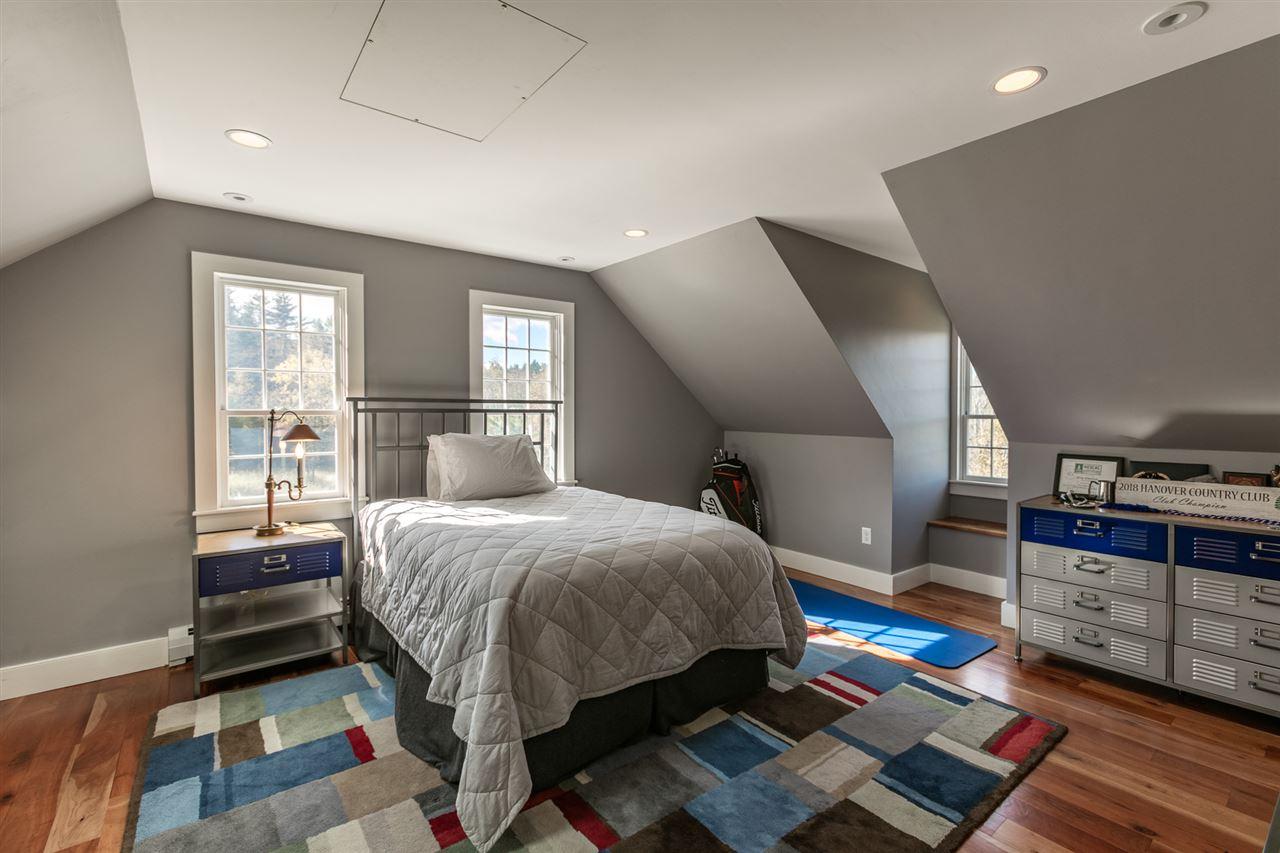 Spacious Bedroom 13037463