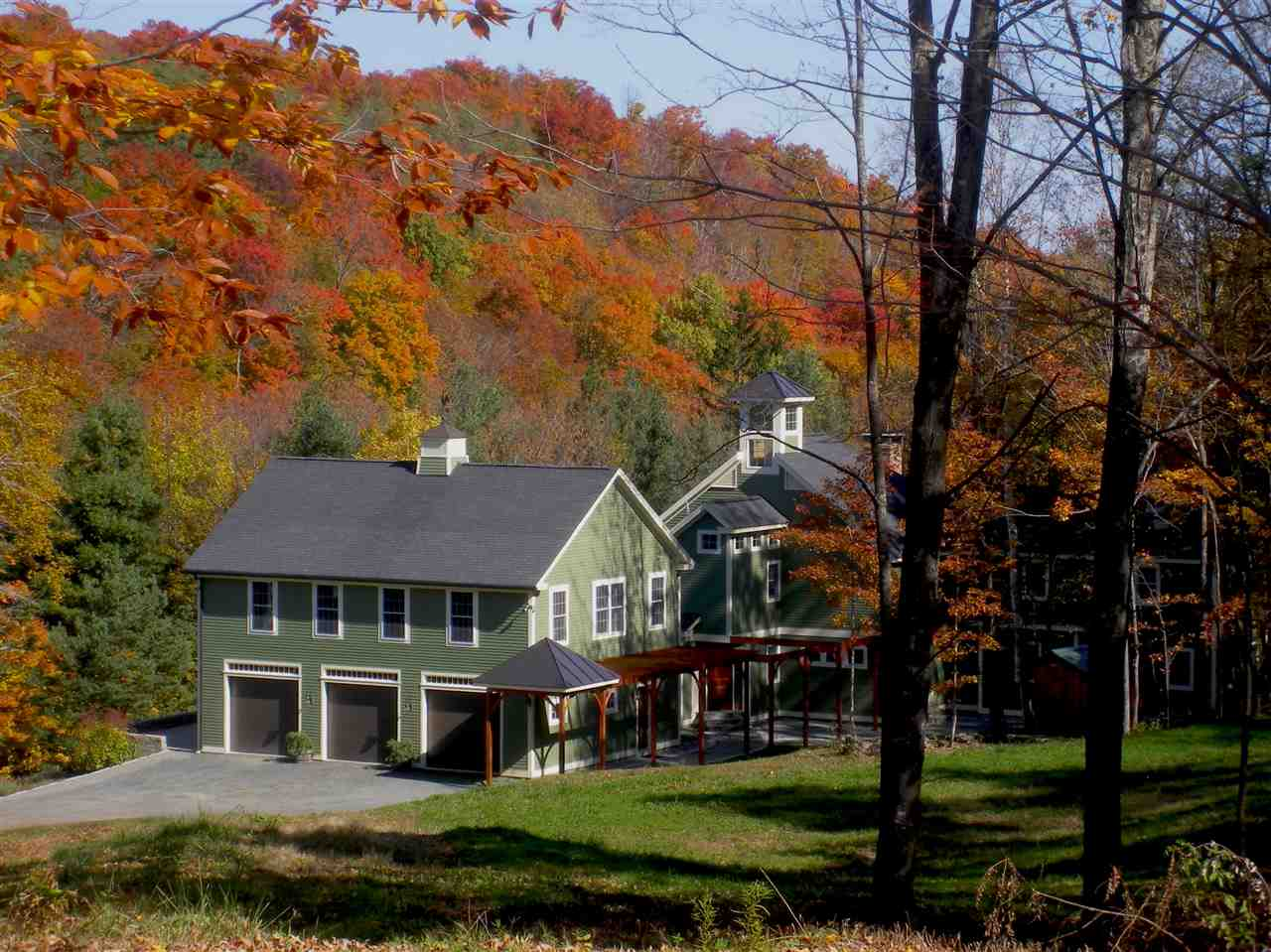 SHARON VT Home for sale $$950,000 | $194 per sq.ft.