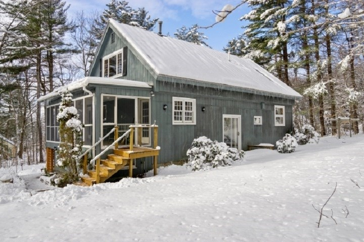 NEWBURY NH Home for sale $$325,000 | $186 per sq.ft.