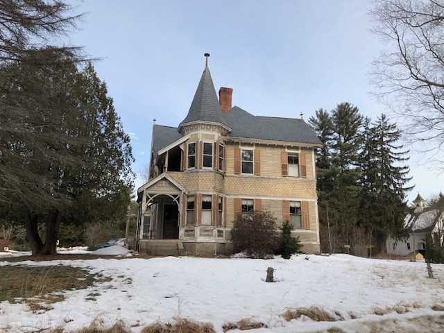 Wakefield NH Home for sale $$169,000 $64 per sq.ft.