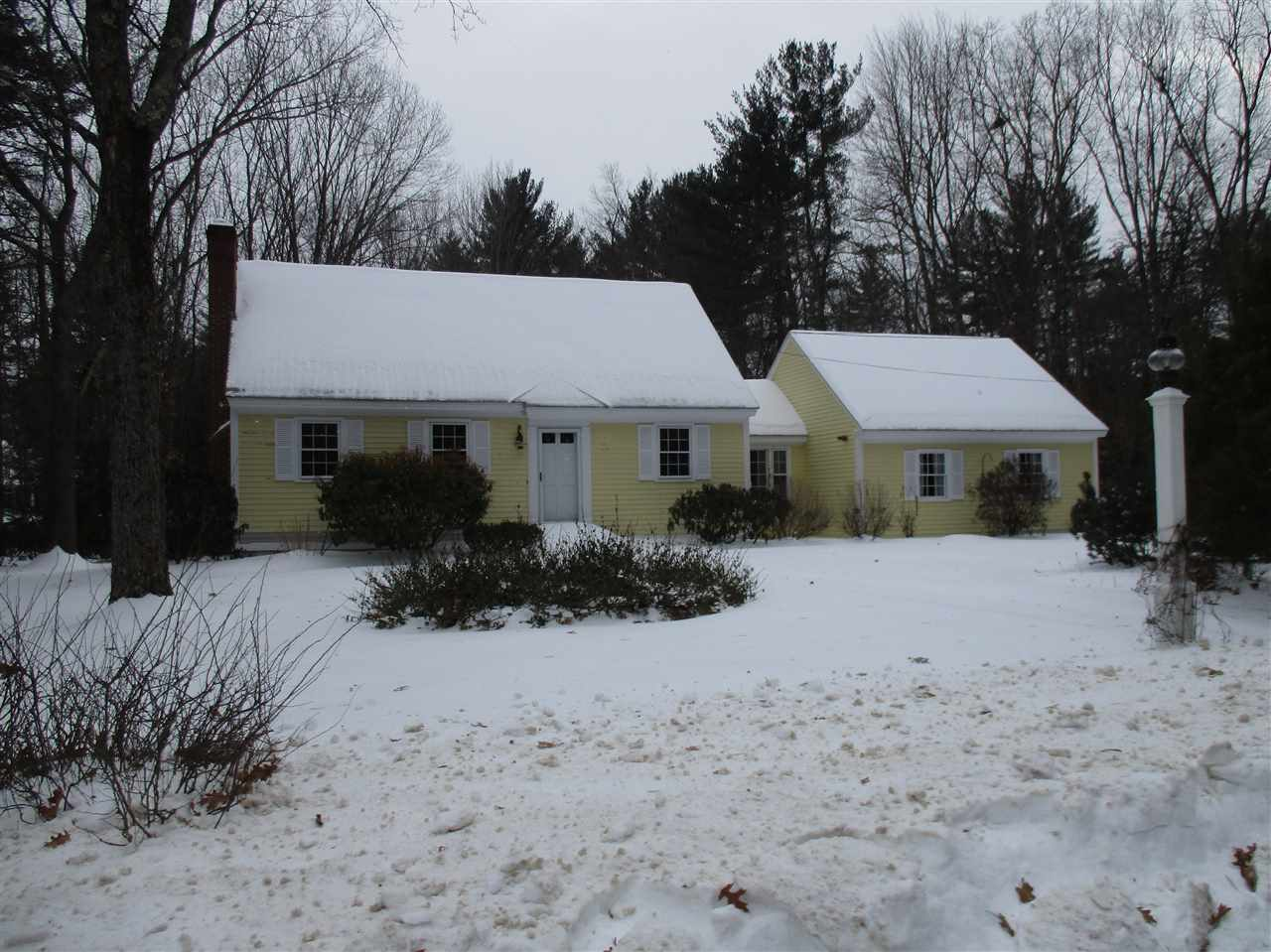 Photo of 18 Wendover Way Bedford NH 03110