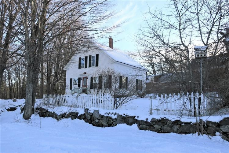 Village of Sanbornville in Town of Wakefield NH Home for sale $$84,900 $71 per sq.ft.