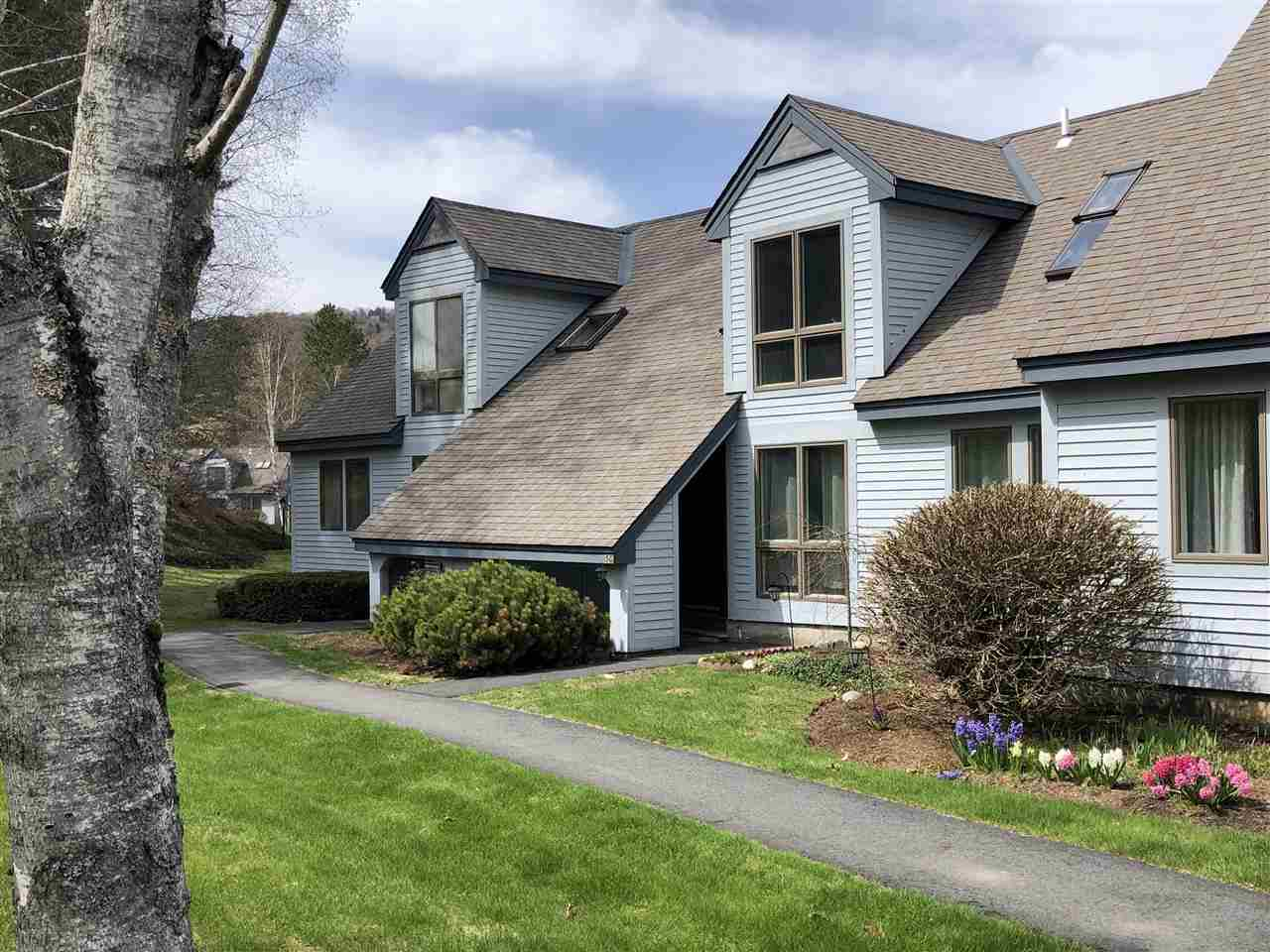 VILLAGE OF QUECHEE IN TOWN OF HARTFORD VT Condo for sale $$138,000 | $103 per sq.ft.