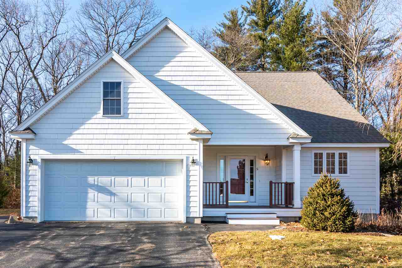 Photo of 5 Vineyard Drive Stratham NH 03885