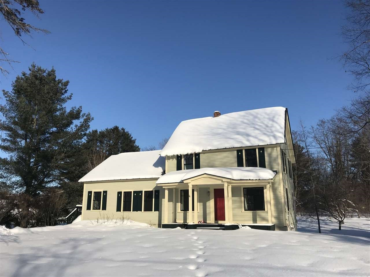 LYME NHLake House for sale $$495,000 | $201 per sq.ft.