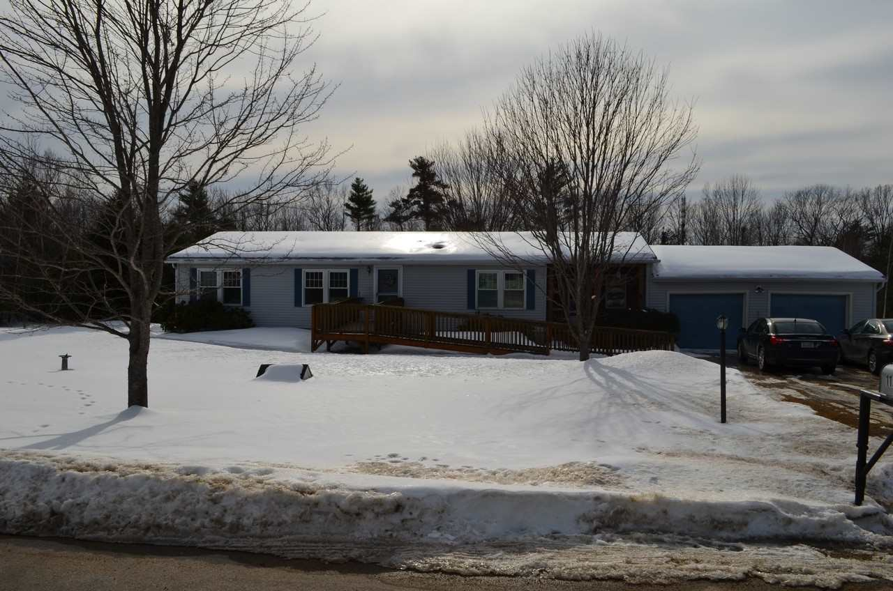 Wakefield NH Home for sale $$214,900 $104 per sq.ft.