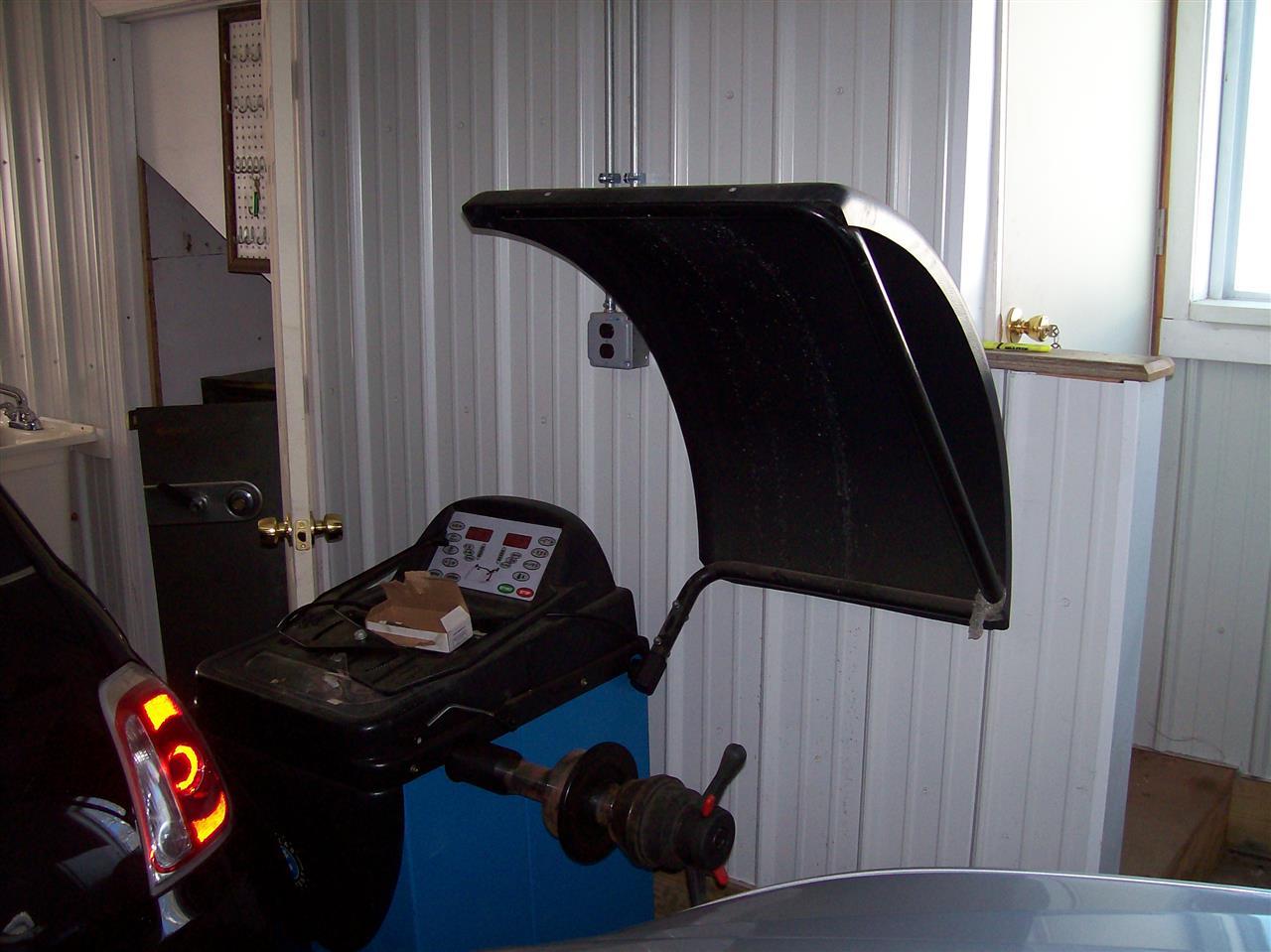 Tire Balancing Machine 13225631