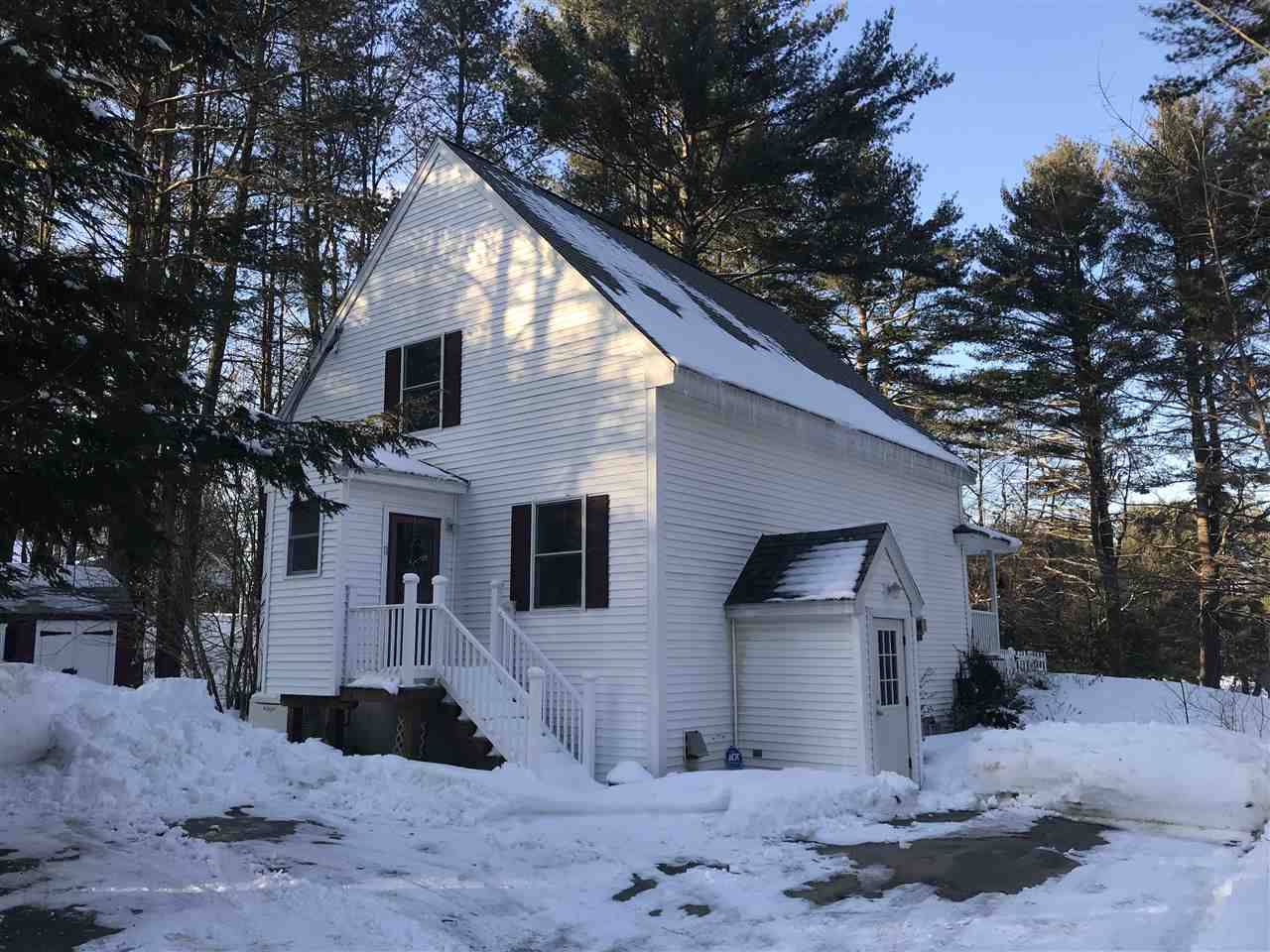 Photo of 11 Dunbarton Drive Barnstead NH 03225