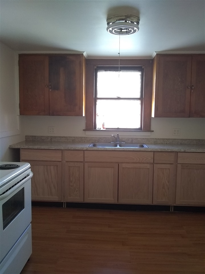 SPRINGFIELD VTApartment for rent $Apartment For Lease: $800 with Lease Term