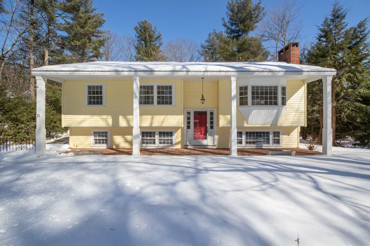 Photo of 11 Birchwood Drive Derry NH 03038