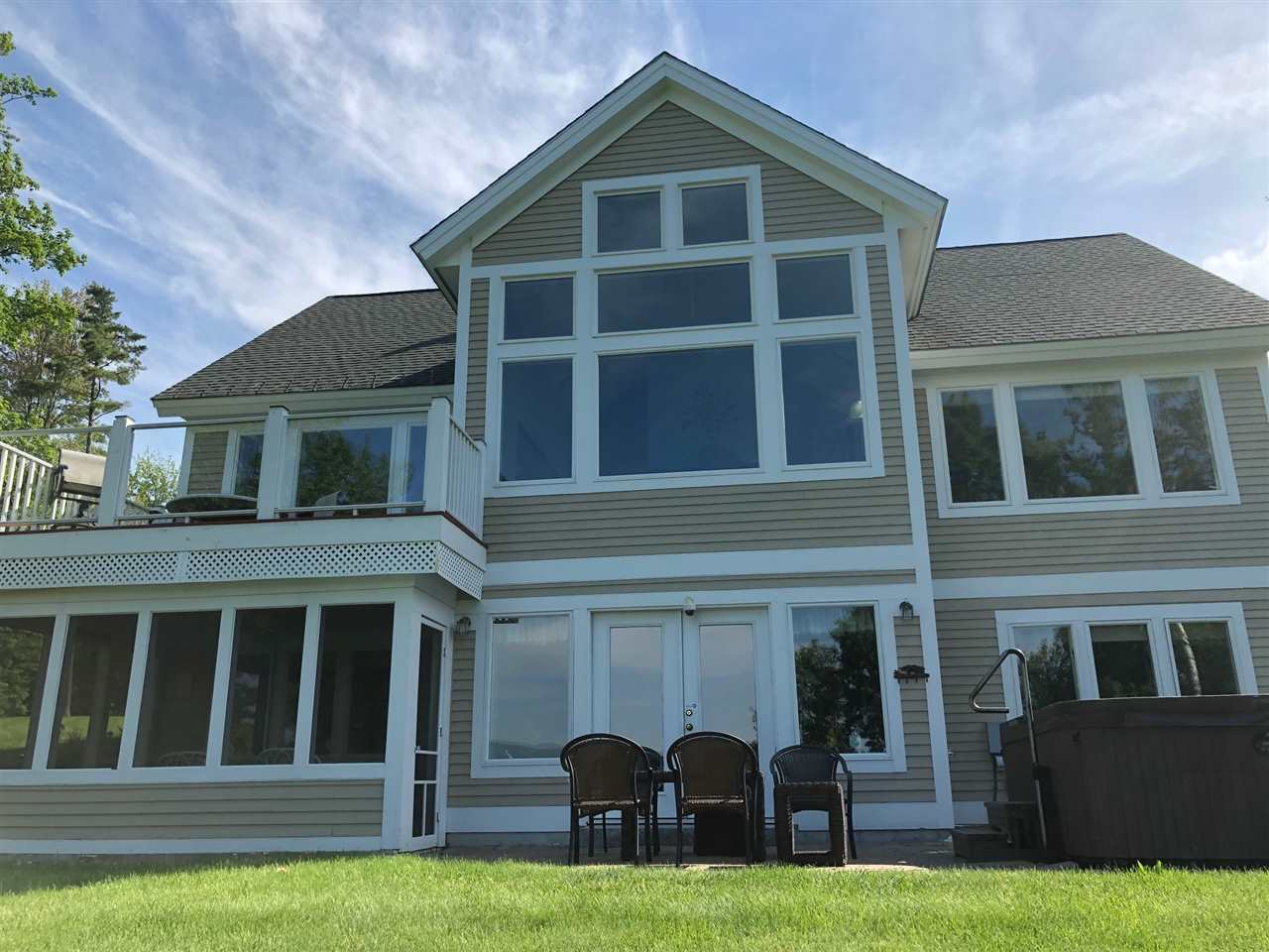 MEREDITH NH Home for sale $775,000