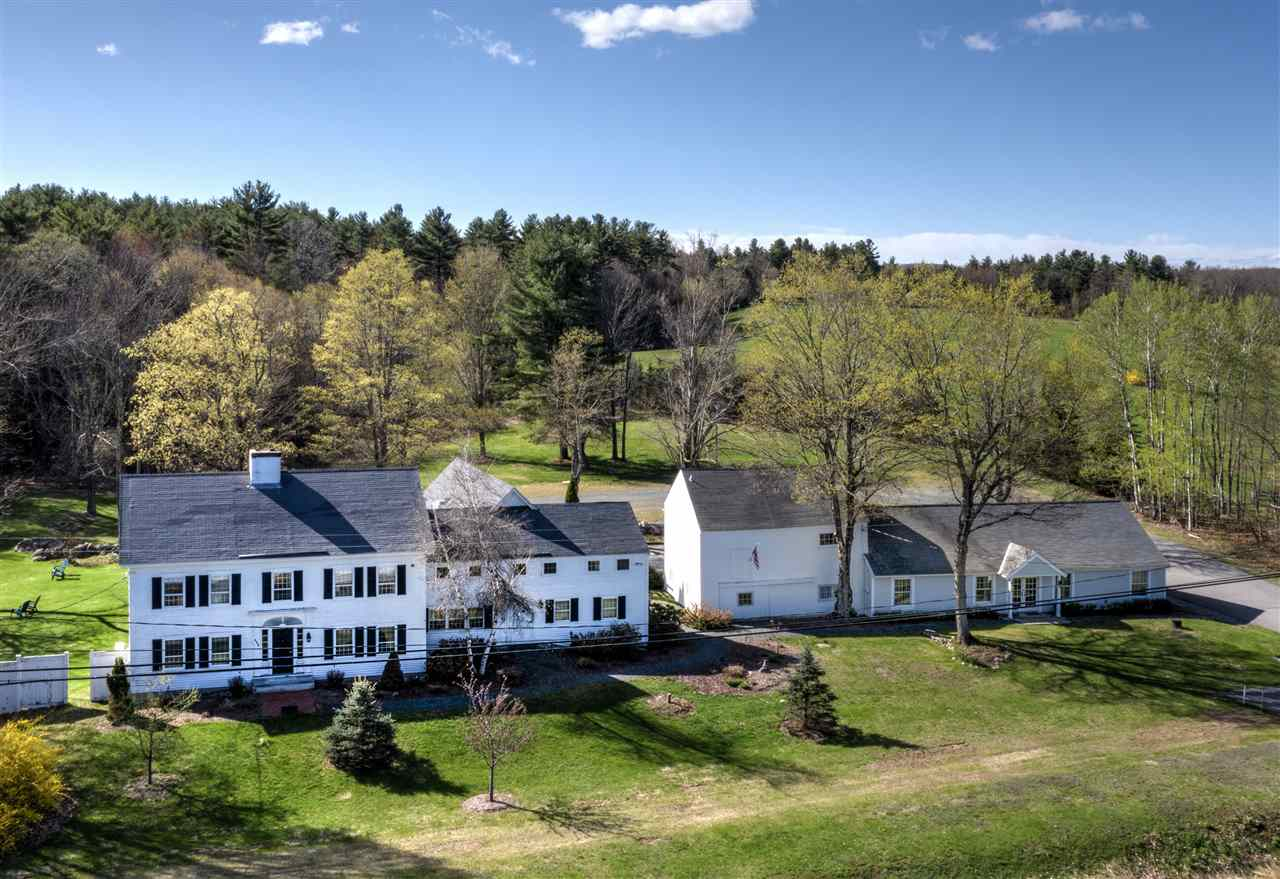 NEW LONDON NH Home for sale $$925,000 | $187 per sq.ft.