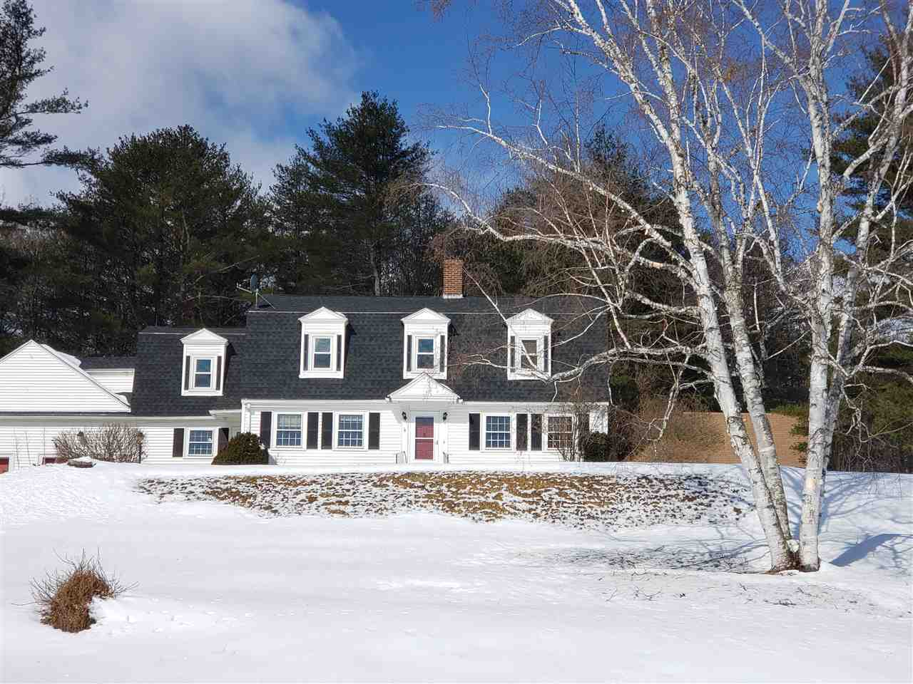 BOSCAWEN NH Home for sale $$299,900 | $108 per sq.ft.