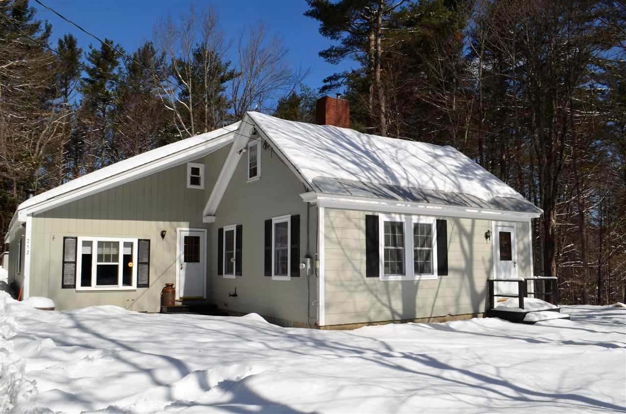 NEW LONDON NH Home for sale $$199,000 | $157 per sq.ft.