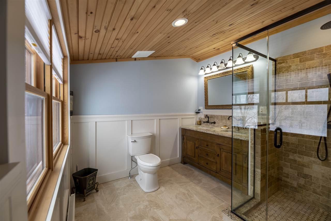 1st floor half bath/laundry off mudroom
