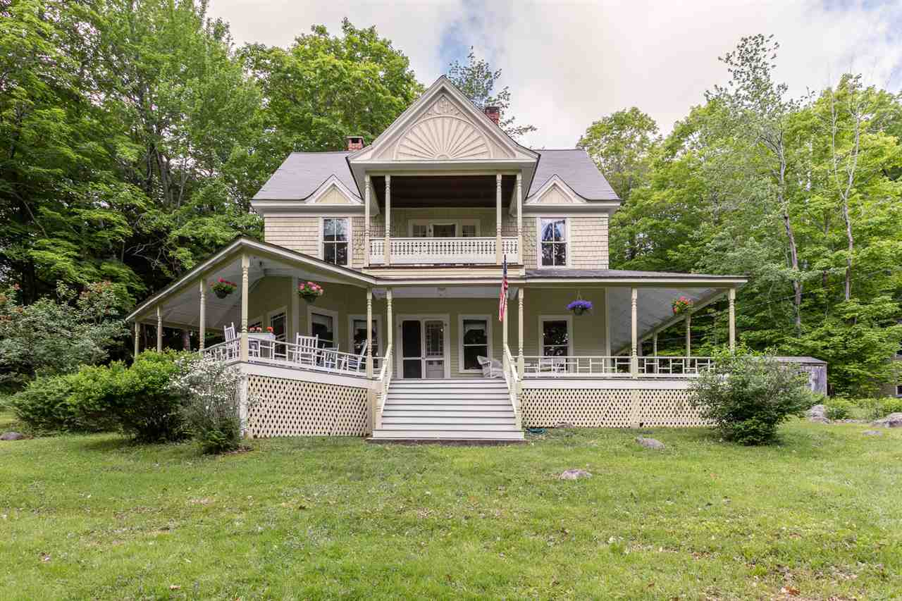 SUNAPEE NH Lake House for sale $$495,000 | $264 per sq.ft.