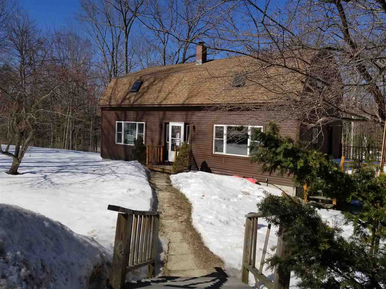 NEWBURY NH Home for sale $$195,000 | $94 per sq.ft.