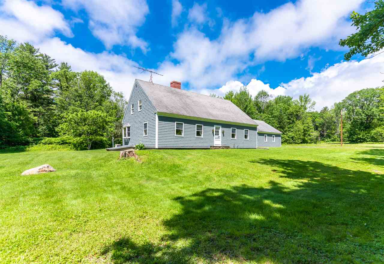 VILLAGE OF CENTER SANDWICH IN TOWN OF SANDWICH NH  Home for sale $389,000
