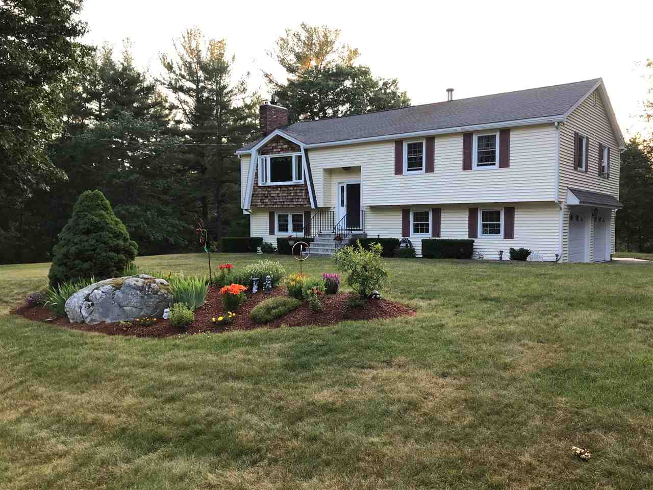 Photo of 18 Lancaster Drive Londonderry NH 03053