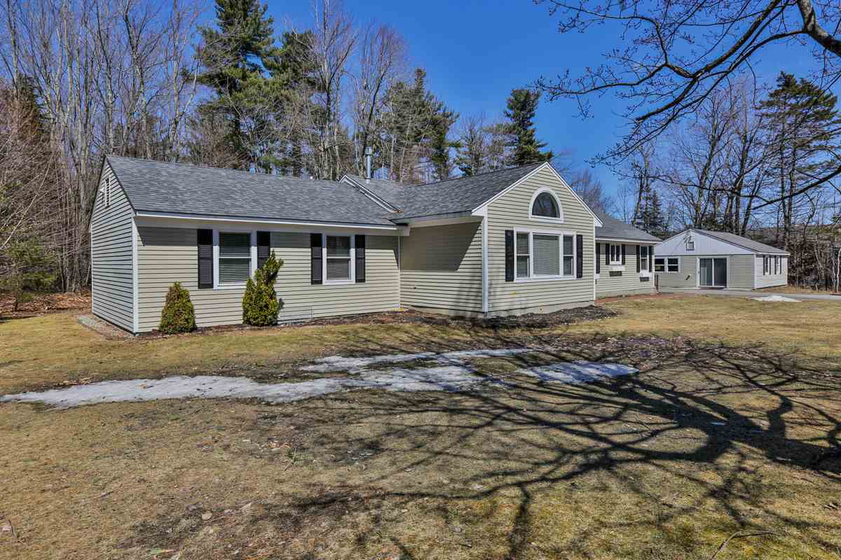 NEW LONDON NH Home for sale $$280,000 | $143 per sq.ft.