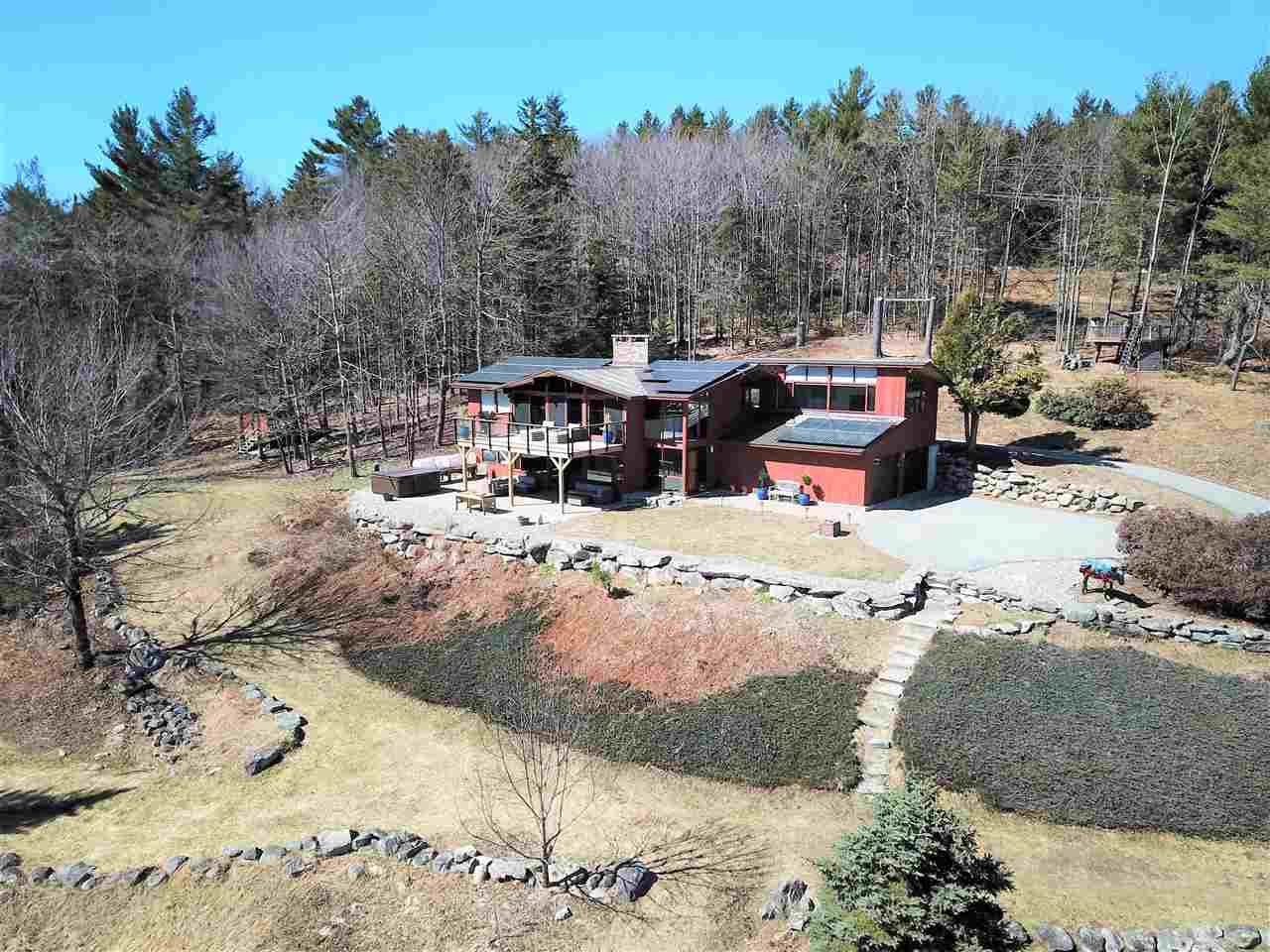 MLS 4745379: 881 Morgan Hill Road, New London NH