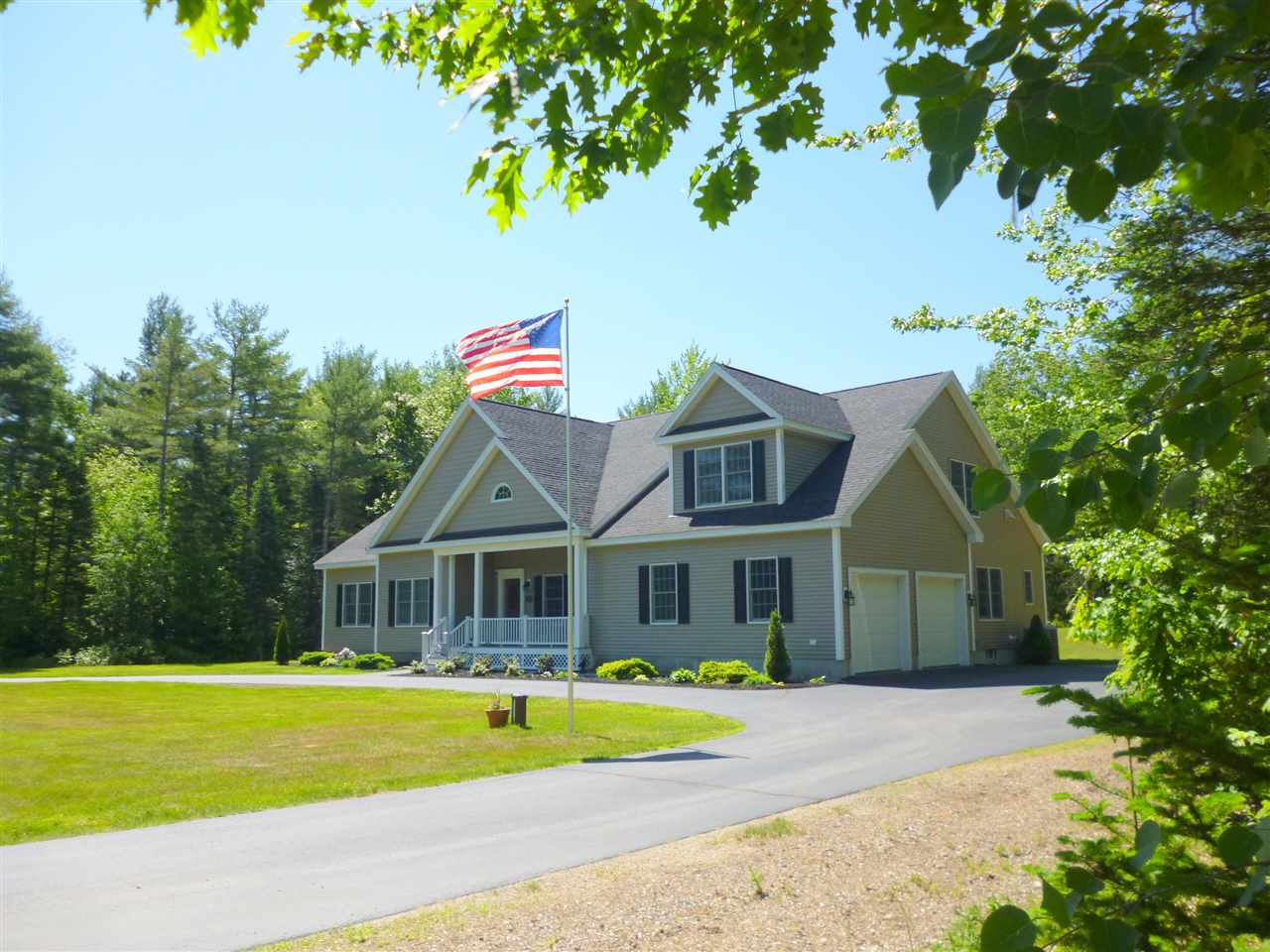 VILLAGE OF MELVIN VILLAGE IN TOWN OF TUFTONBORO NH  Home for sale $649,900