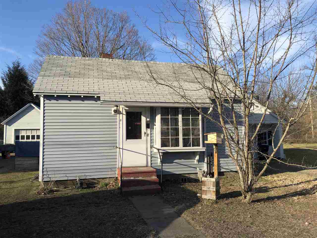 WINDSOR VT Home for sale $$109,900 | $120 per sq.ft.