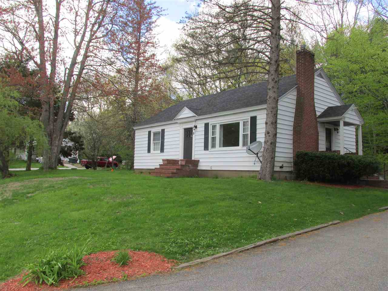 MLS 4745561: 9 Laurel Street, New Ipswich NH