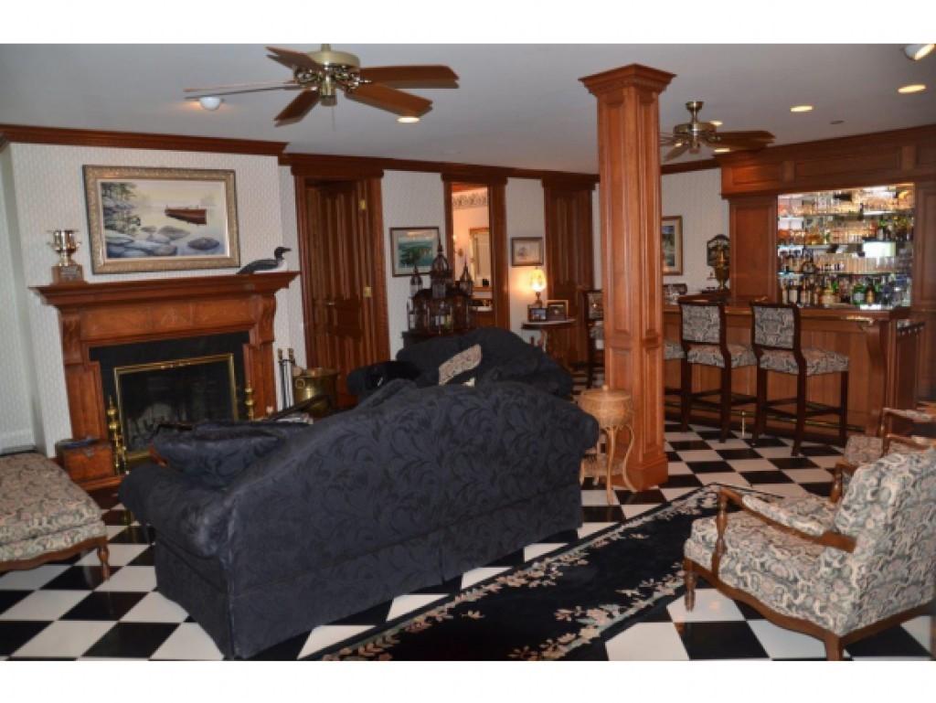 Family Room 13454323
