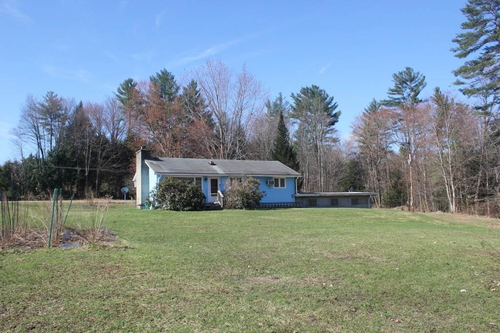 VILLAGE OF PERKINSVILLE IN TOWN OF WEATHERSFIELD VT Home for sale $$139,900 | $190 per sq.ft.