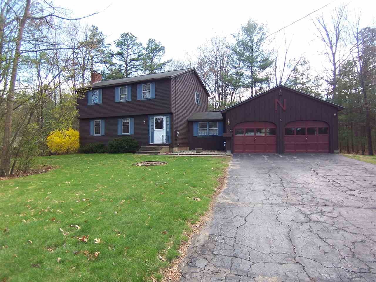 Photo of 9 Douglas Drive Amherst NH 03031