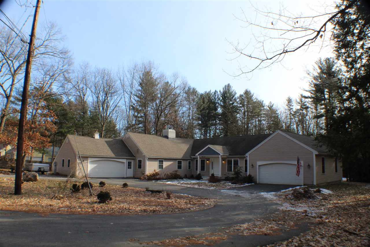 Photo of 20 Wendover Way Bedford NH 03110