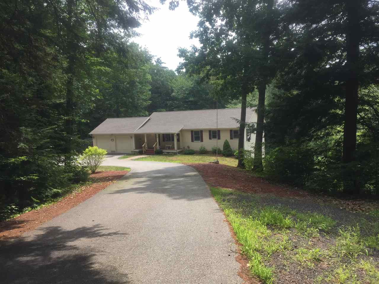 CENTER HARBOR NH Home for sale $359,900