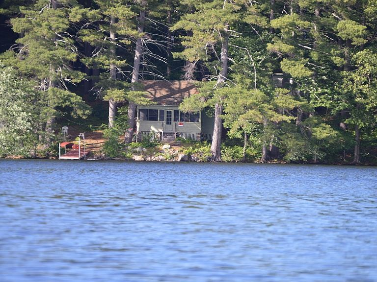 MEREDITH NH Home for sale $325,000