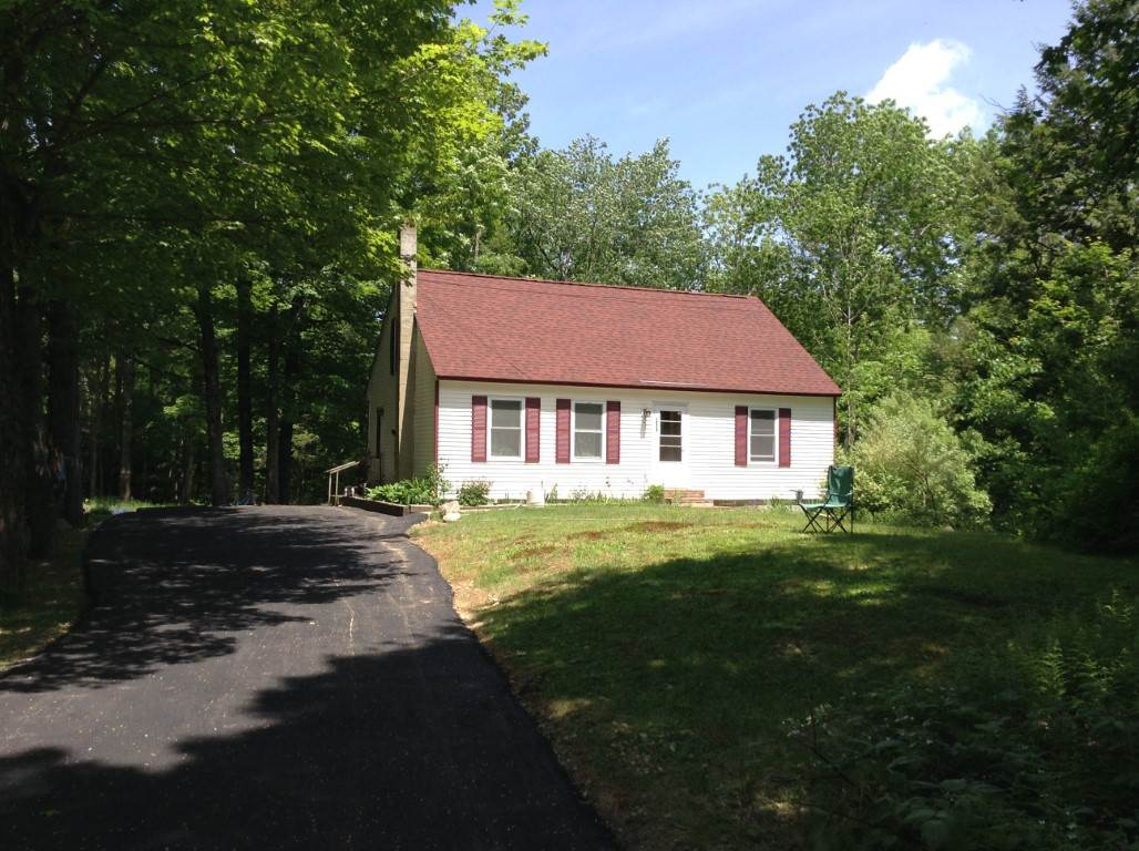 MLS 4750878: 259 MacDoweell Road, Peterborough NH