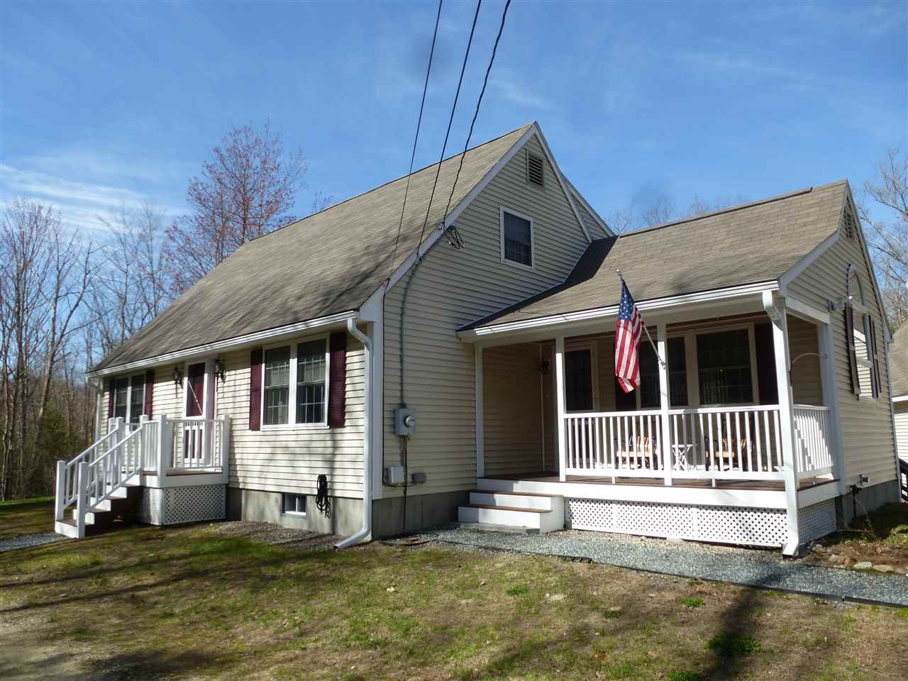 CENTER HARBOR NH Home for sale $459,000