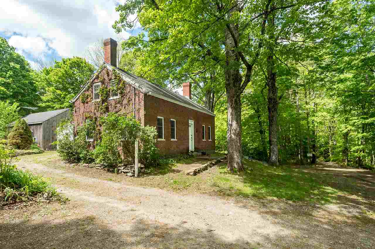 18 Stingy River Road, Epping, NH | MLS# 4754365 | Verani Realty on