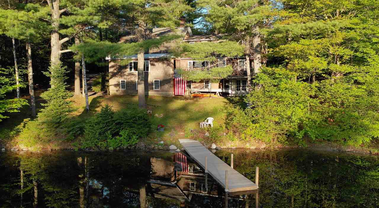 NEW LONDON NH Lake House for sale $$995,000 | $364 per sq.ft.