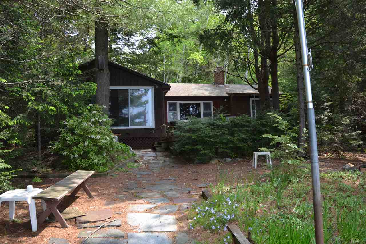 MLS 4756076: 75 Mirror Lake Drive, Tuftonboro NH