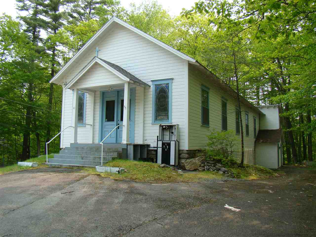 HOLDERNESS NH  Home for sale $599,000