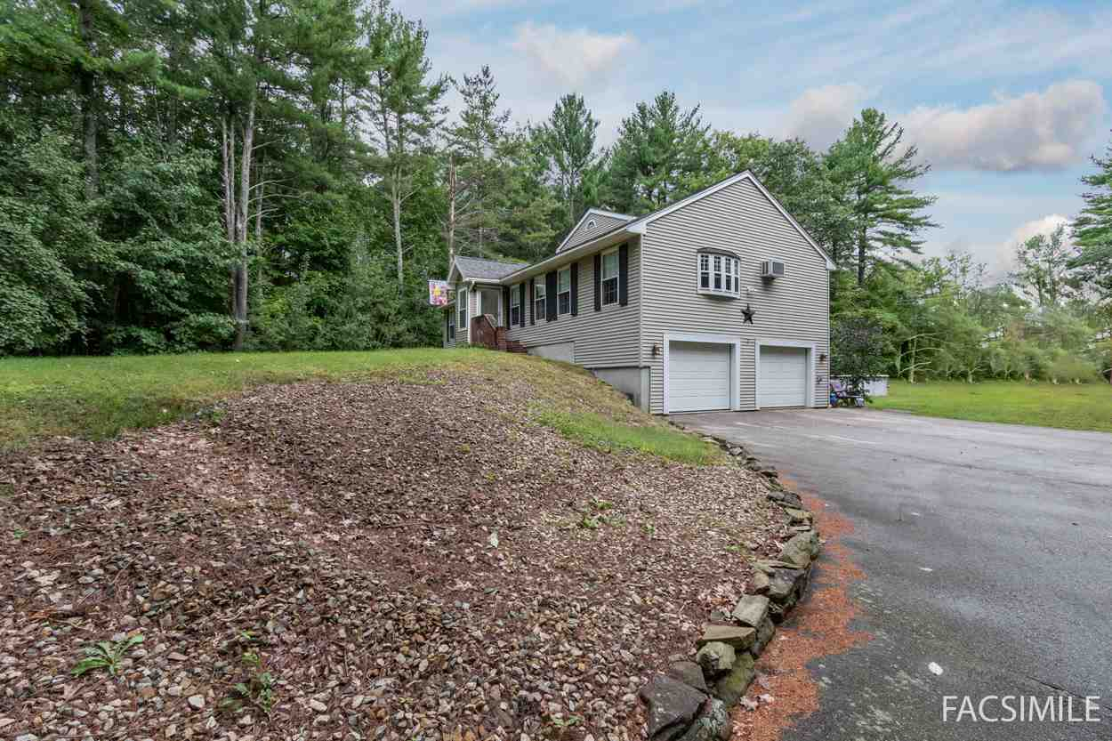 Photo of 332 N Pond Road Chester NH 03036