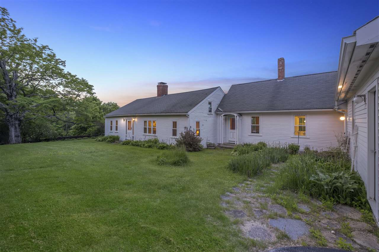 NEW HAMPTON NH Home for sale $420,000