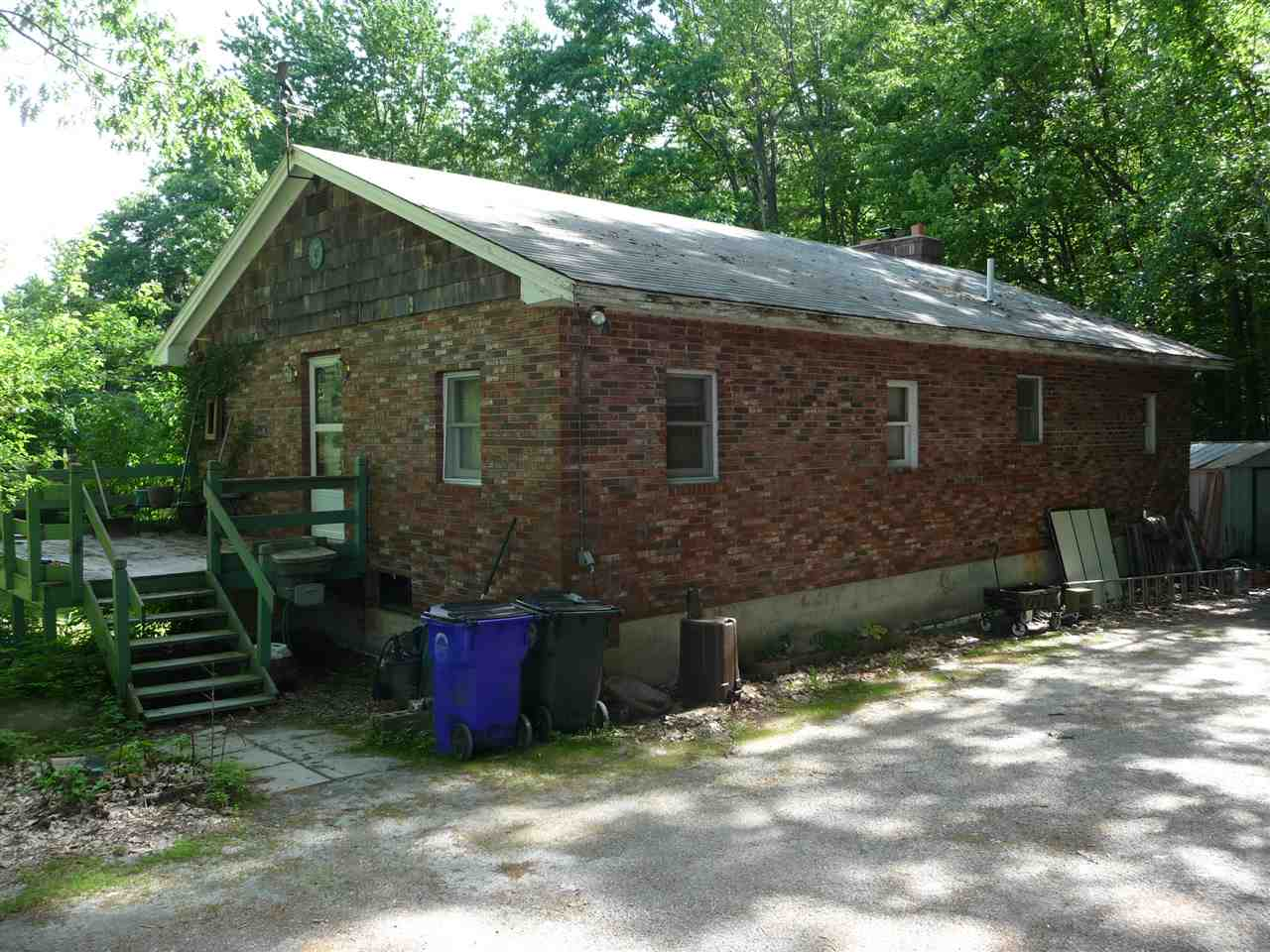 Photo of 27 Tipping Rock Road Goffstown NH 03045-2179
