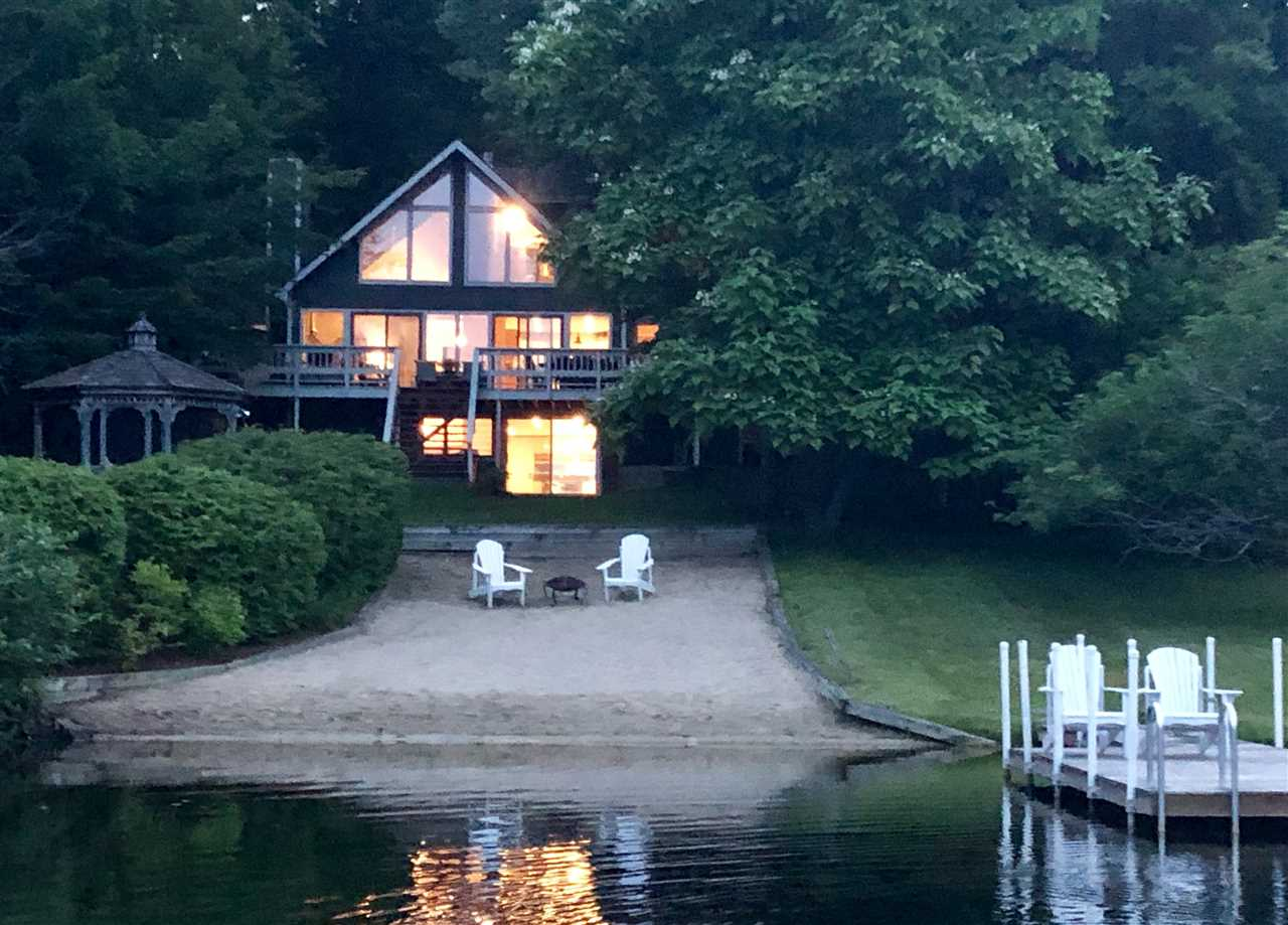 MOULTONBOROUGH NH Home for sale $1,299,000
