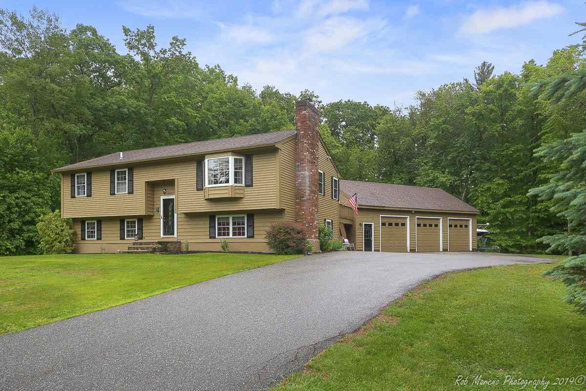 MLS 4760792: 6 Falcon Drive, Pelham NH